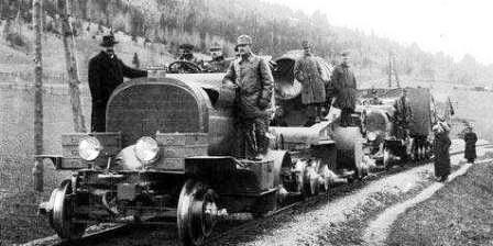 Артиллерийский тягач – генератор Austro-Daimler M16 B-Zug, C-Zug буксирует три прицепа по железной дороге