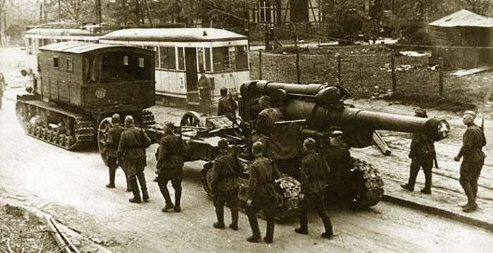 Ворошиловец! Сверхтягач для Сталина! Буксирует 155 мм орудие. Германия 1944