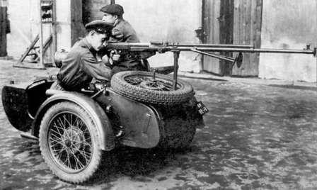 Всем мотоциклам мотоцикл. М-72 с ПТРС Атаковать с ходу, лихо, по молодецки! Нестор Махно