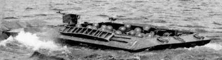 В воду не зная броду. Бронетранспортер К-78 с десантом на воде