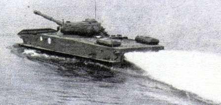 В воду не зная броду. Плавающий танк ПТ-76 на воде.