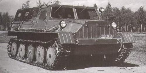 ГТС - 47 первый Советский гусеничный транспортер снегоболотоход