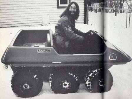 История ATV All Terrain Vehicle - транспортное средство для езды по всем поверхностям. John Lennon на Amphicat