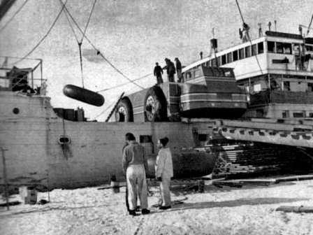 Круизёр в Антарктиде. Antarctic Snow Cruiser, выгрузка колеса