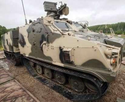 Ледоруб Рубцовский. Гусеничный бронетранспортёр ДТ-3ПБ - машина  огневой поддержки.