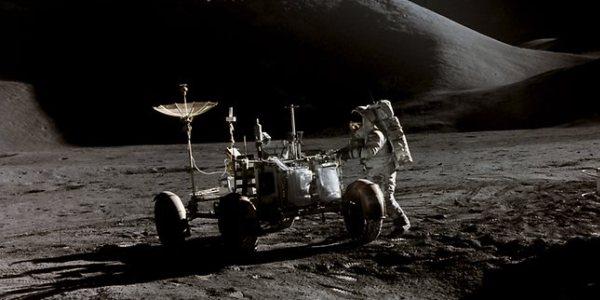 Лунный Ровер General Motors и Астронавт НАСА Джеймс Ирвин 1971 год Аполло 15