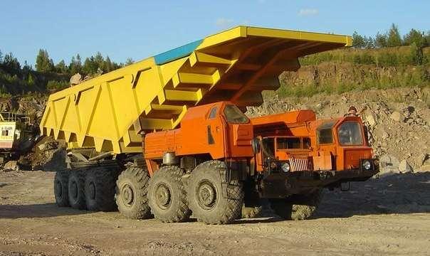 МАЗ-547 основа всех сухопутных ракетоносцев. Гражданская версия - карьерный самосвал