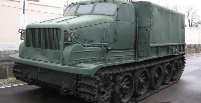Окоп, траншея, ров ... Артиллерийский тягач АТ-Т