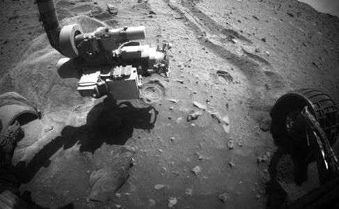Операция по спасению Марсохода Спирита, до трактора 500 млн. километров.Левое колесо глубоко в песке