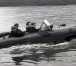 Скоростная амфибия на подводных крыльях НАМИ-055 Суперкары Бонда курят в сторонке