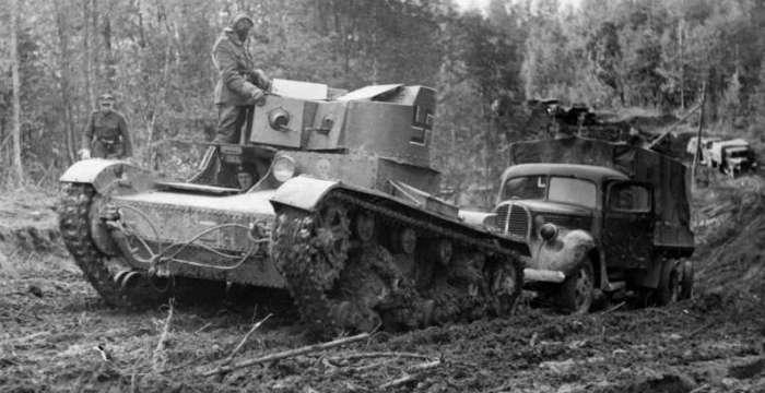 Т-26 проектировало ЦК ВКПБ. Высоко оценен не только в Красной Армии но и у противника