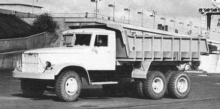 Украинский автобрат. Кременчугский автомобильный завод КрАЗ-222 Днепр