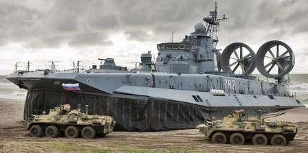 82-й! ответьте 80-му... БТР-80 и Малый десантный корабль ЗУБР