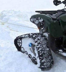 ATVUTV на гусеницах против снегоходов Yamaha Grizzly 700 вытаскивает Arctic Cat ZL440
