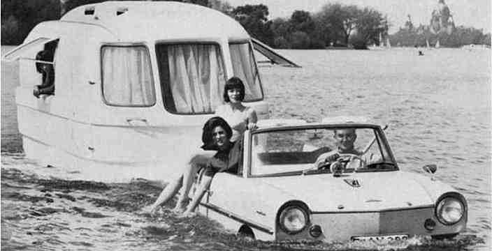 Amphicar 770 с прицепом - плавающим жилым модулем 1965 год