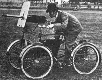 Simms Motor War Car - прадедушка бронетранспортёров. Возможно первый в мире квадроцикл с пулеметом